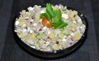 Салат с копченой рыбой и огурцом