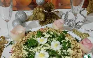 Салат с рыбными консервами слоеный